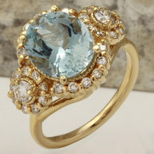 Load image into Gallery viewer, 4.50 Carats Exquisite Natural Aquamarine and Diamond 14K Solid Yellow Gold Ring
