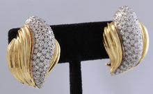 Load image into Gallery viewer, Unique Exquisite 4.20 Carats VVS Natural Diamond 14K Solid Yellow Earrings
