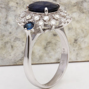 4.30 Carats Exquisite Natural Blue Sapphire and Diamond 14K Solid White Gold Ring