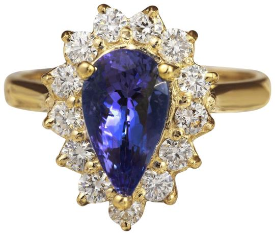 2.65 Carats Natural Splendid Tanzanite and Diamond 14K Solid Yellow Gold Ring
