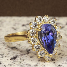 Load image into Gallery viewer, 2.65 Carats Natural Splendid Tanzanite and Diamond 14K Solid Yellow Gold Ring