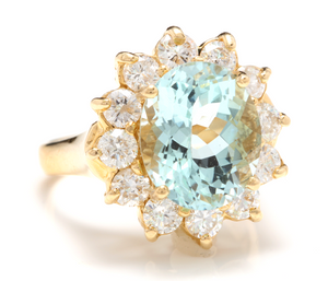 7.68 Carats Exquisite Natural Aquamarine and Diamond 14K Solid Yellow Gold Ring