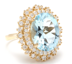 11.40 Carats Exquisite Natural Aquamarine and Diamond 14K Solid Yellow Gold Ring