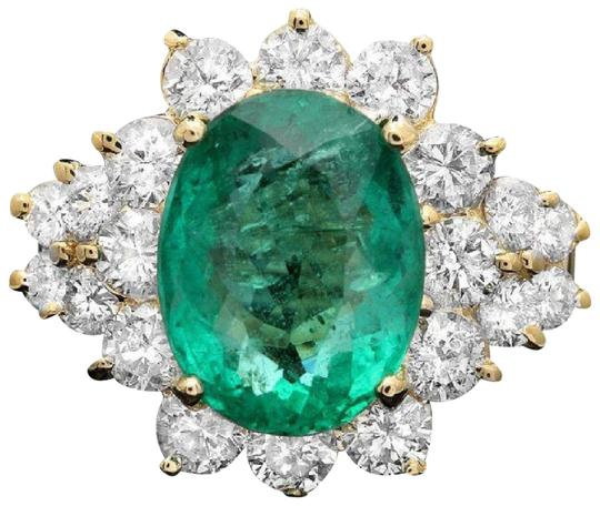 5.90 Carats Natural Emerald and Diamond 14K Solid Yellow Gold Ring