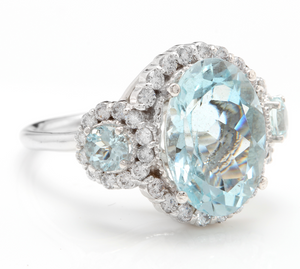 7.80 Carats Exquisite Natural Aquamarine and Diamond 14K Solid White Gold Ring