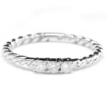 Load image into Gallery viewer, Splendid .15 Carats Natural Diamond 14K Solid White Gold Ring