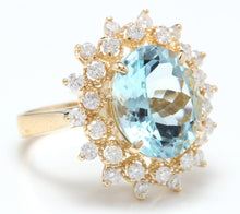 Load image into Gallery viewer, 6.00 Carats Exquisite Natural Aquamarine and Diamond 14K Solid Yellow Gold Ring