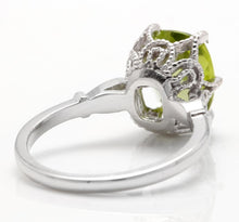 Load image into Gallery viewer, 3.00 Carats Impressive Natural Peridot and Diamond 14K White Gold Ring