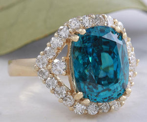 8.70 Carats Natural Very Nice Looking Blue Zircon and Diamond 14K Yellow Gold Ring