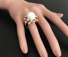Load image into Gallery viewer, Splendid Natural 15mm South Sea Pearl and Diamond 14K Solid Yellow Gold Ring