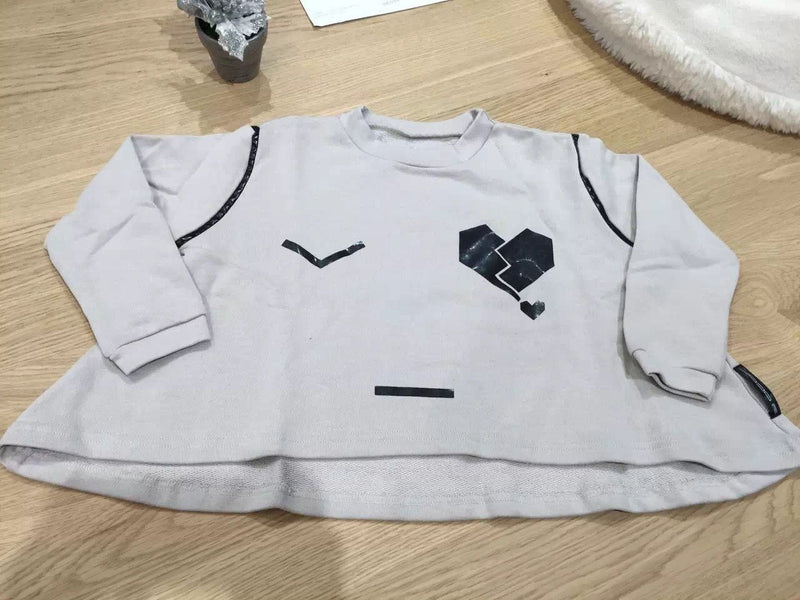 Girls Grey T-Shirt With Black Printed Tear Heart Face - CÉMAROSE | Children's Fashion Store