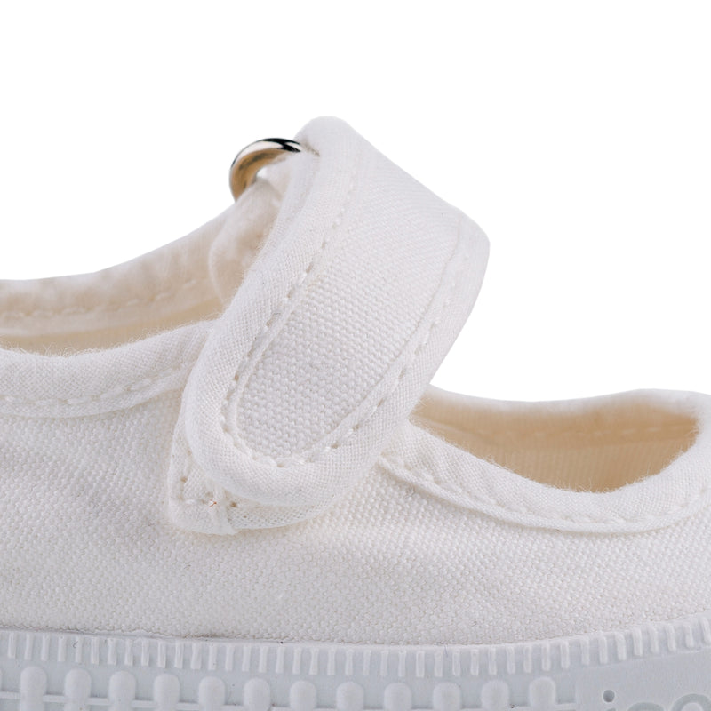 Girls White Cotton Shoes