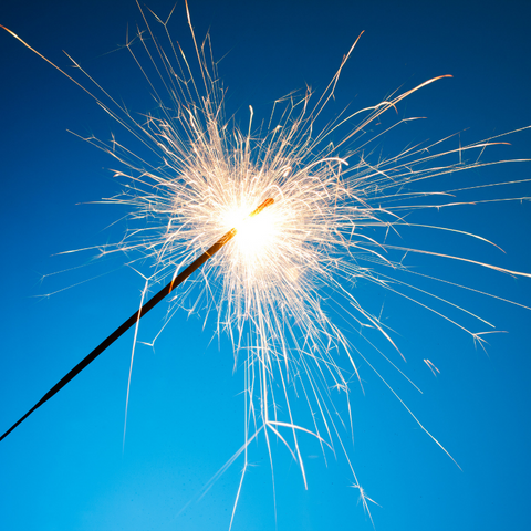 TOP-10-TIPS-YOU-MUST-KNOW-ABOUT-GIANT-SPARKLERS-IMAGE-2