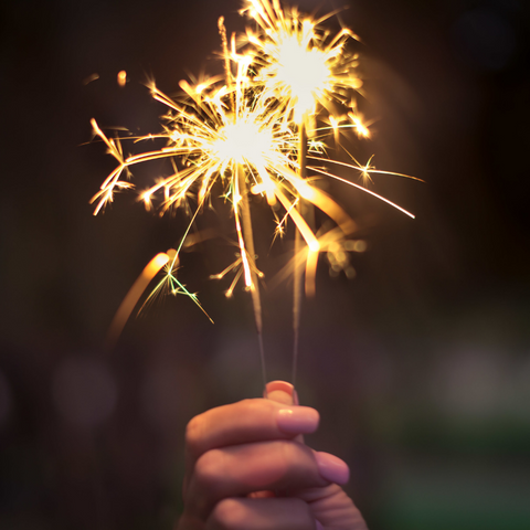 Top-10-Tips-About-Outdoor-Sparklers-image-2