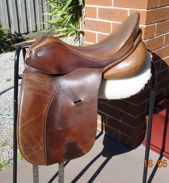 "17.5"" KN Melodie Dressage Saddle MW-Wide gullet"