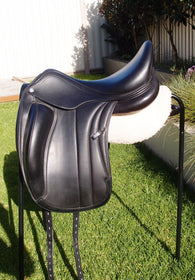 "ON TRIAL..........17.5"" Equipe Viktoria  +1 Dressage Saddle"