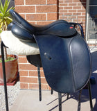 "SOLD......17.5"" Kent & Masters Cob Dressage XW changeable gullet."