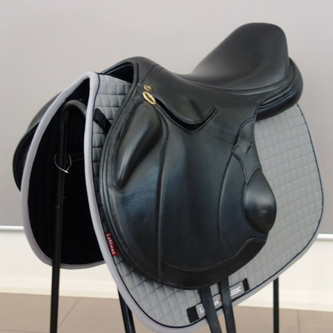 "SOLD..........17.5"" PH STRIDEFREE MONOFLAP JUMP SADDLE"