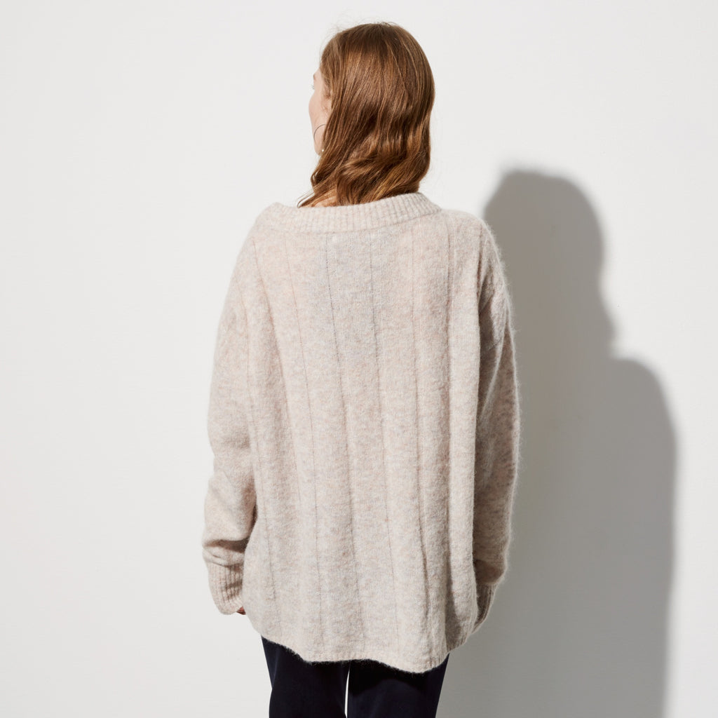 FWSS Soft Things is a supersoft mohair/wool mix round neck sweater with chunky all over rib.