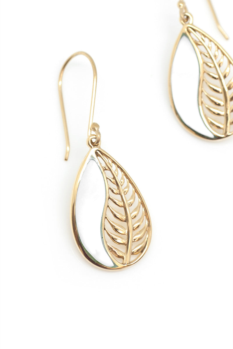 Leaf Me Alone Earrings - Natural - Tulle and Batiste