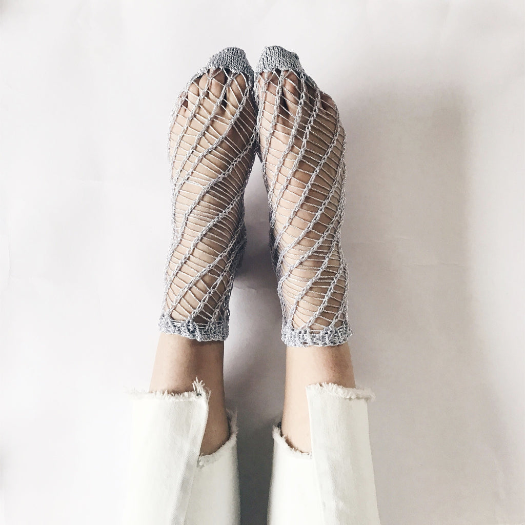 Knit your own Sparkly Fishnet Socks