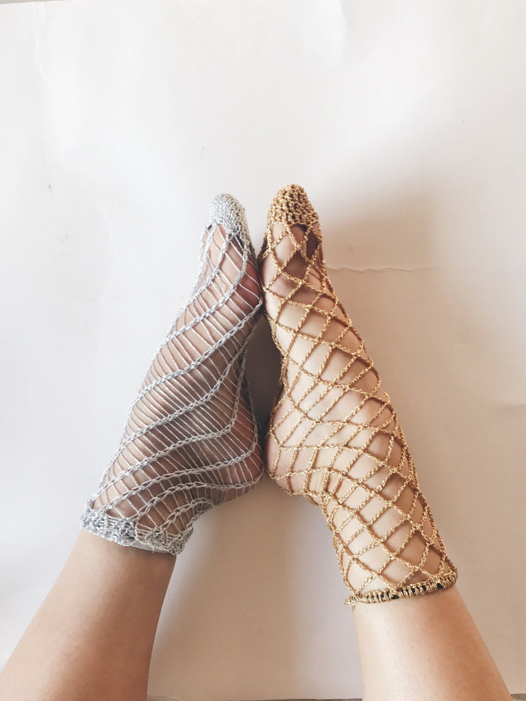 Crochet your own Sparkly Fishnet Socks