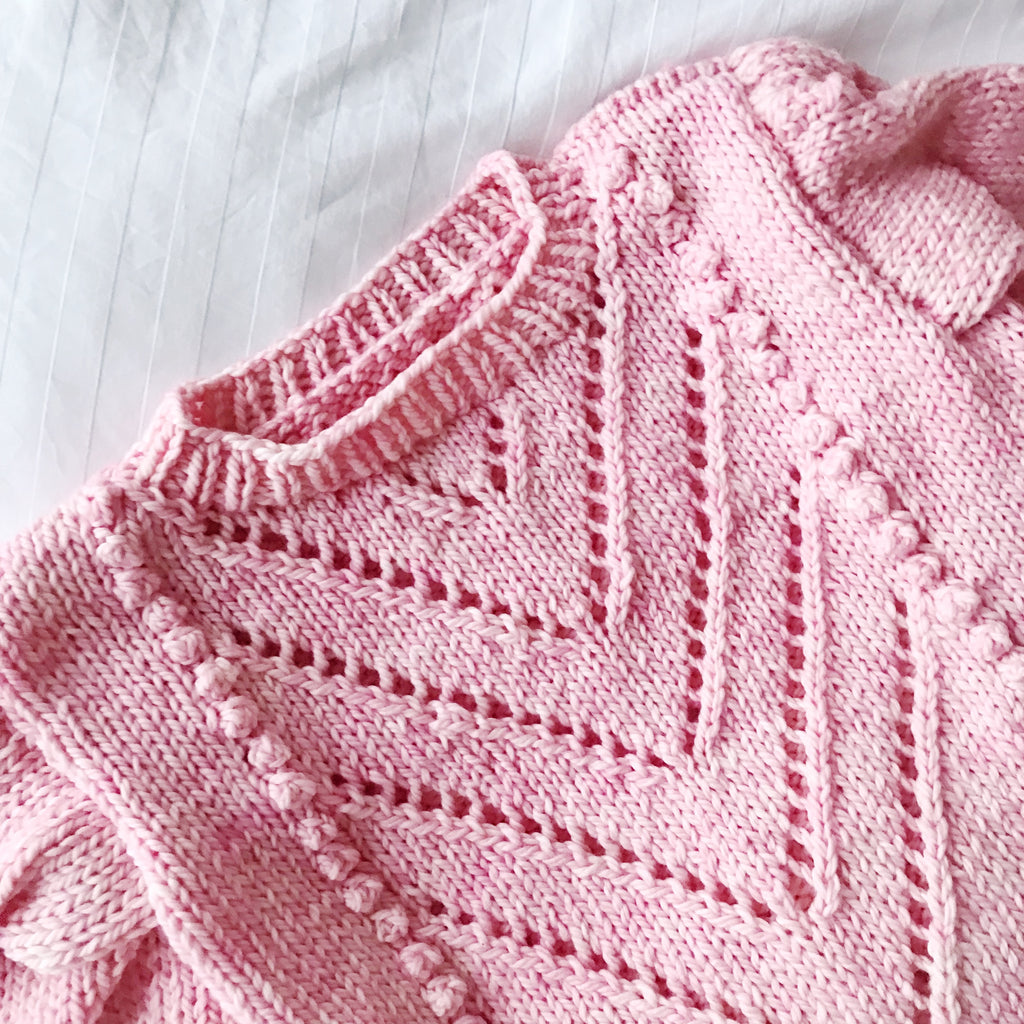 Bobble Tea Sweater chunky knit in pale pink, close up