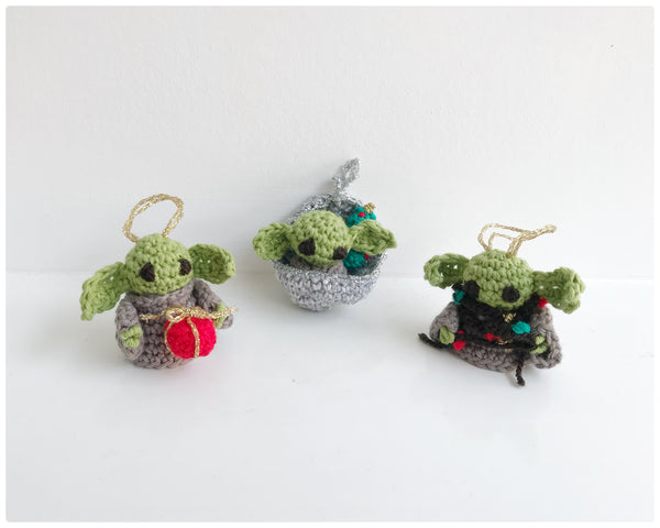 3 Baby Yoda Christmas decorations