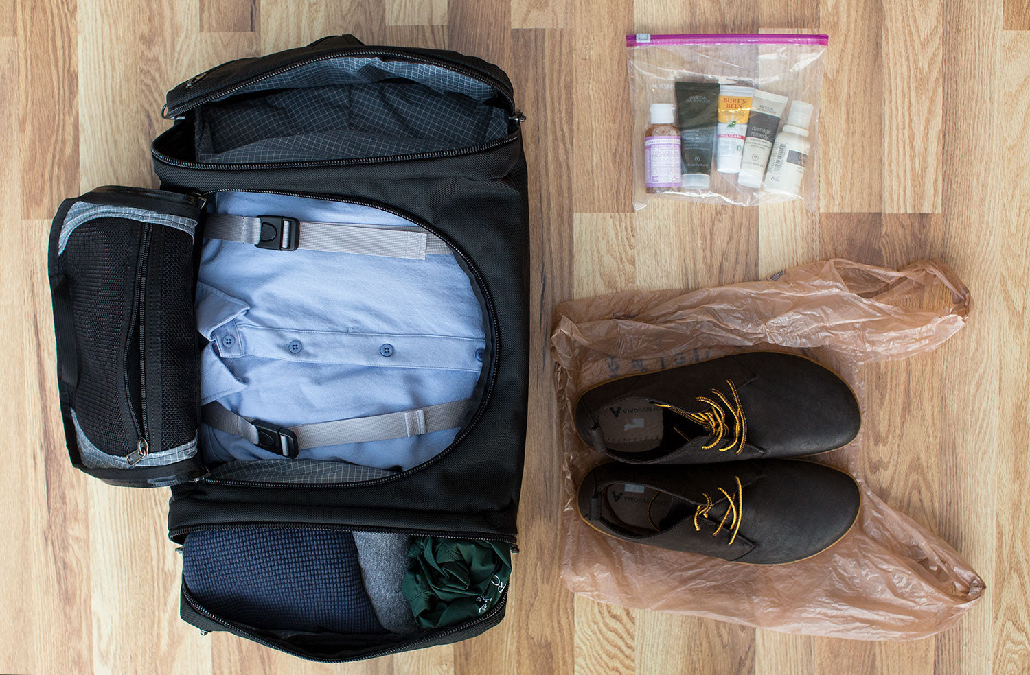 An Aeronaut 30 using built-in organization; zip-lock bag for toiletries and a plastic grocery bag for packing shoes