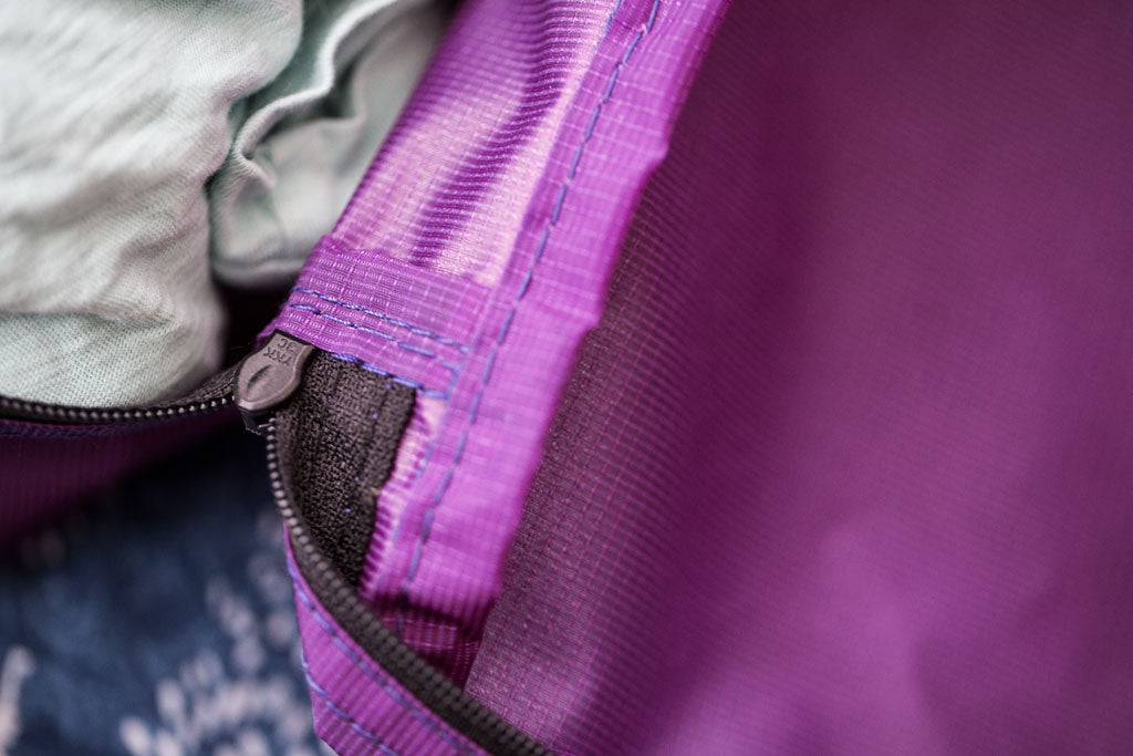 TOM BIHN Aether Packing Cube in Violet