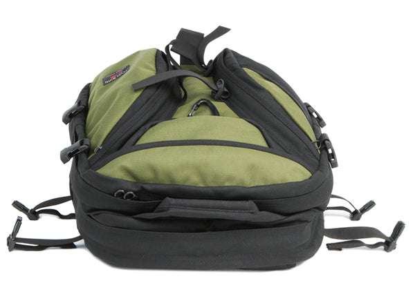 TOM BIHN Brain Bag and black holes?
