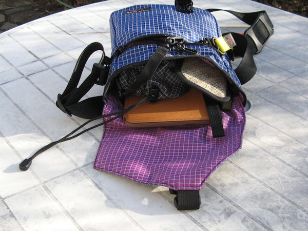 Small Cafe Bag in Nordic/Ultraviolet