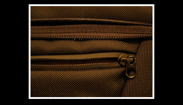 Every Day Commentary review of the TOM BIHN Cadet briefcase