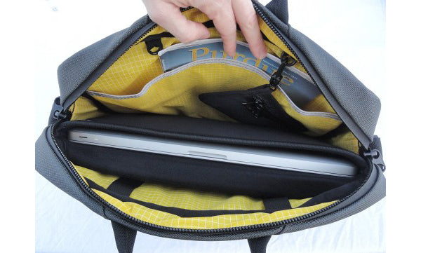 The Gadgeteer review of the TOM BIHN Cadet
