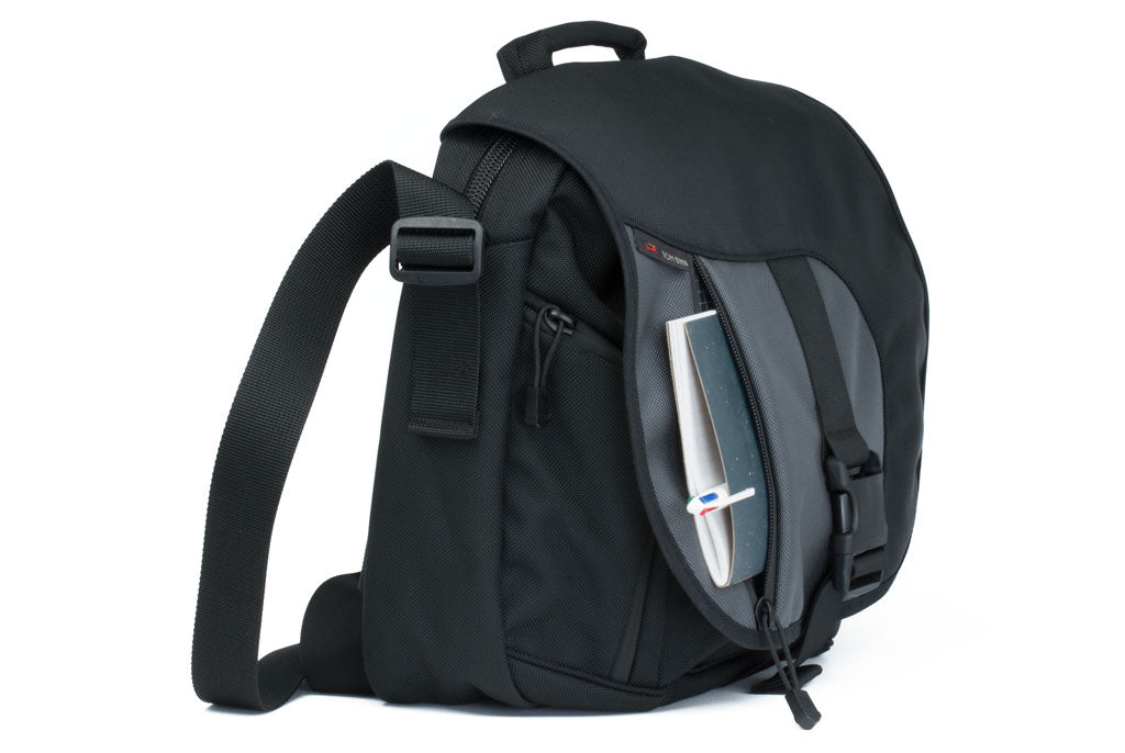 ID Messenger Bag | TOM BIHN