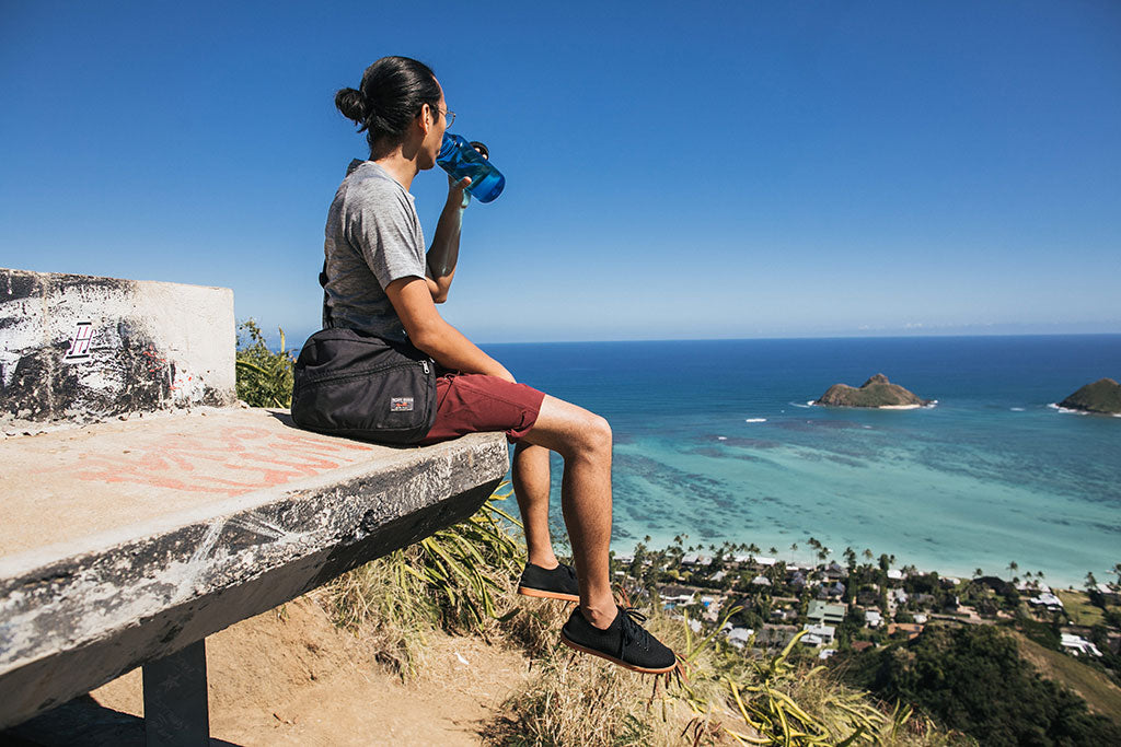 Serving as a lightweight shoulder/cross body bag on a hike in Hawaii