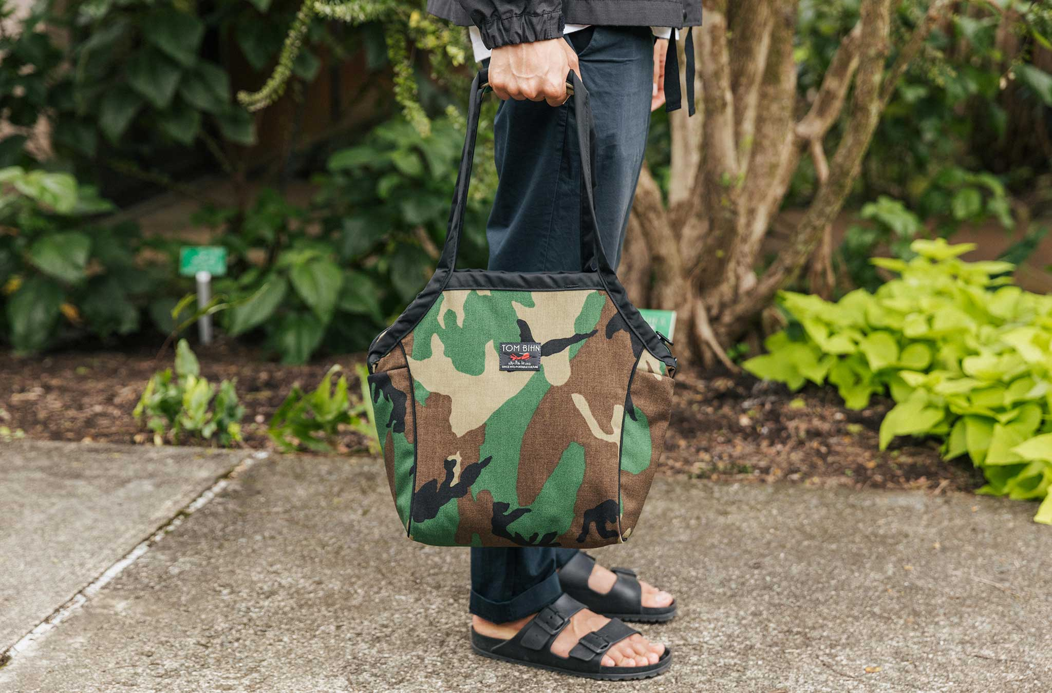 Small Zip-Top Shop Bag in Beaver Camo