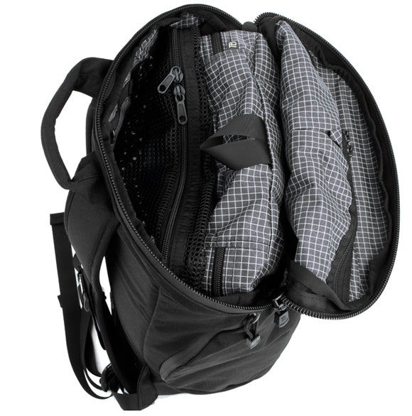 Packing Cubes in the TOM BIHN Smart Alec backpack