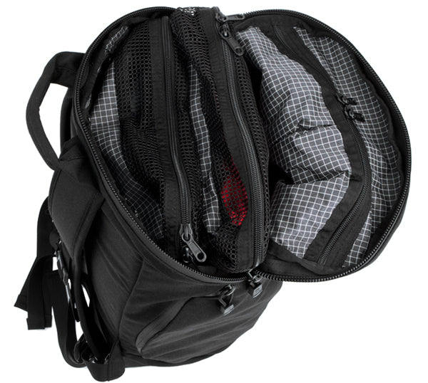 Using Packing Cubes in the Smart Alec backpack
