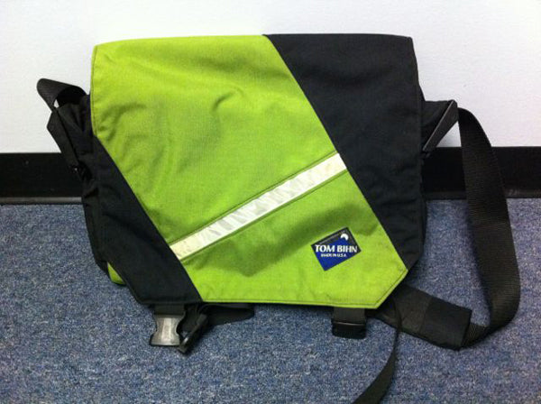 Super Musette messenger bag by TOM BIHN