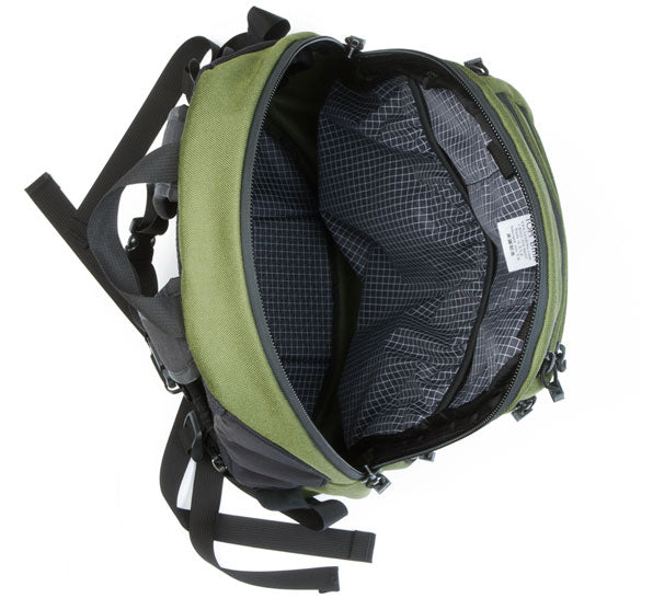 Synapse 25 backpack by TOM BIHN