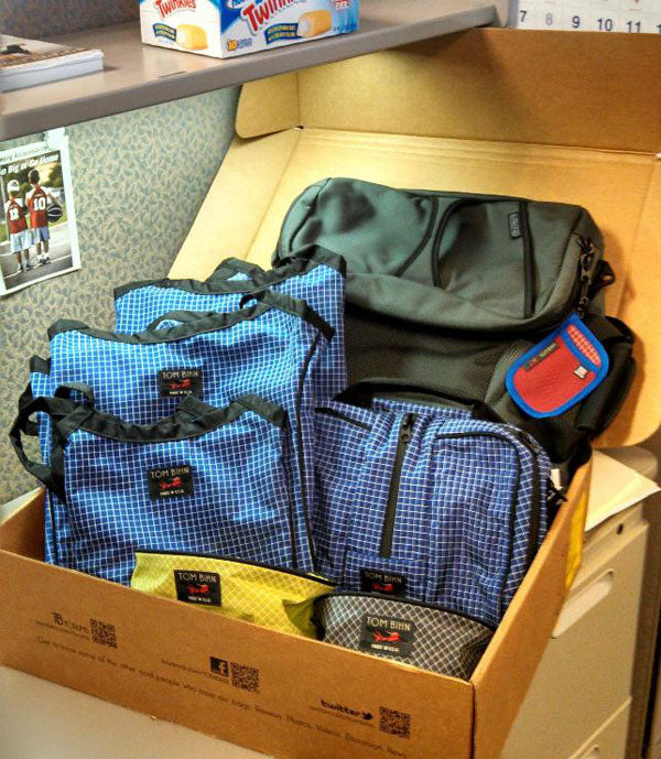 RhoFro: the TOM BIHN bags that arrived today unboxing