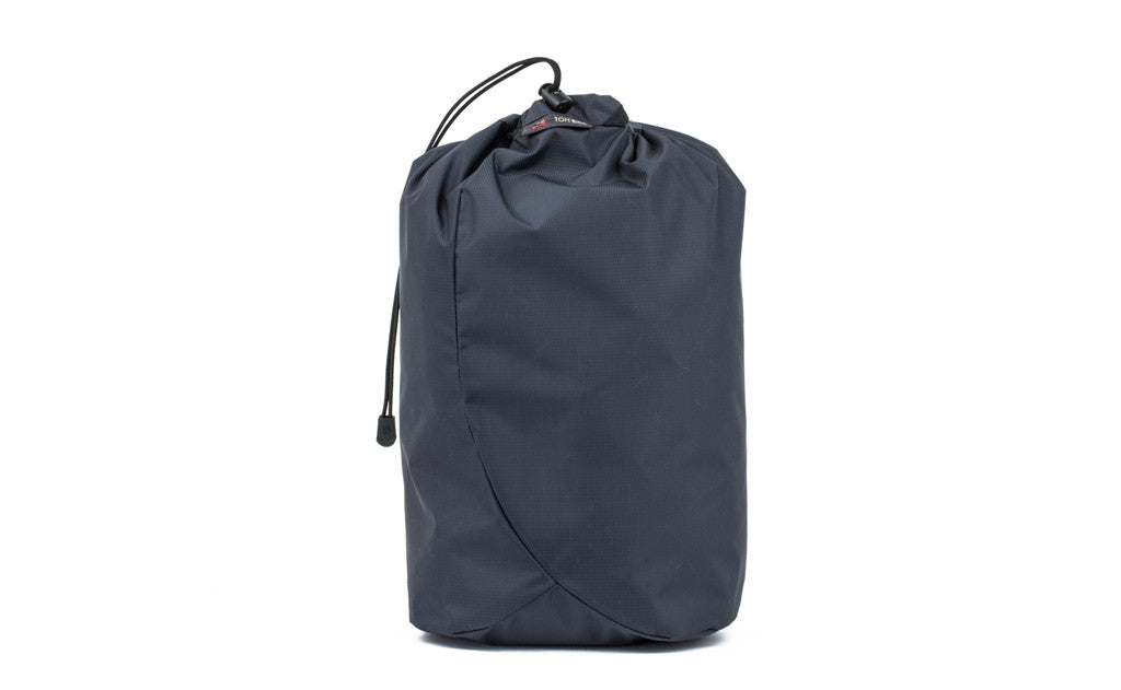 The Sleeping Back Stuff Sack in Carbon (dark grey) 120 Aether.