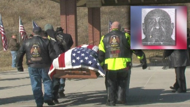 Homeless Army Veteran's Funeral Attended by Hundreds of Strangers