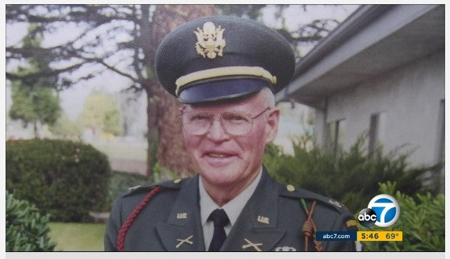 WWII VETERAN'S LUGGAGE WITH WAR MEDALS LOST ON UNITED AIRLINES FLIGHT