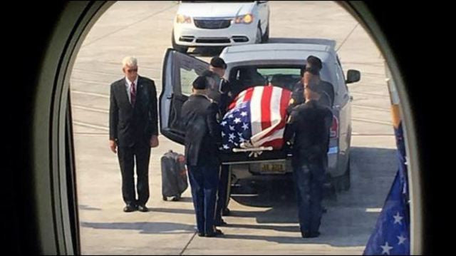 Delta Flight From Atlanta Goes Silent To Honor Fallen Veteran Returning Home