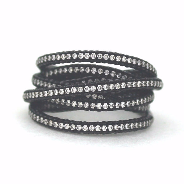 215 Round Brilliant = 1.01 406 Black = 2.38 13.39gr 18K White Gold Band BD0143