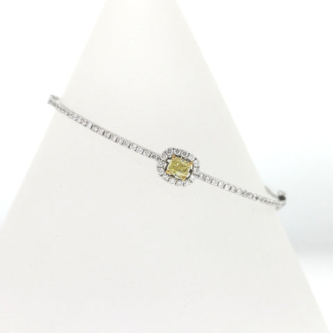 58 Round Brilliant = .98 1 Radiant Cut = 0.59ct Fancy Yellow SI1 52 X 58 Two Tone 18K Gold Bracelet BR1937