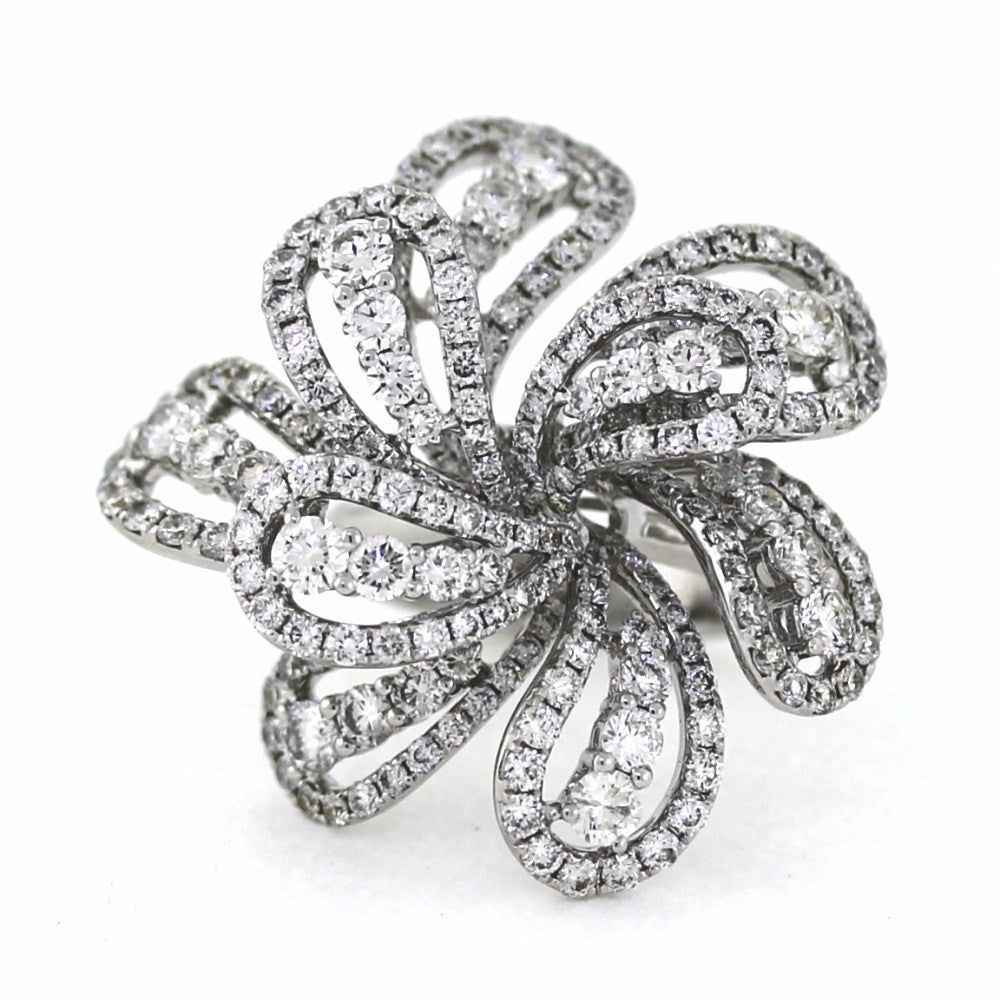 241 Round Brilliant = 5.94ctw 16.32gr 18K White Gold Lady's Ring LR0427