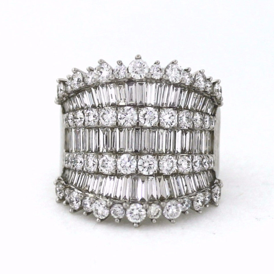 54 Round Brilliant = 2.43 73 Tapered Baguette = 1.90 11.54gr 18K White Gold Lady's Ring LR0691